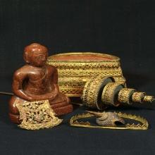 พระพุทธรูปหินทรายทอง