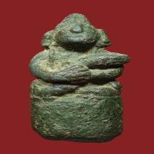 พระกริ่งตั๊กแตน ประเทศเขมร(กริ่งนอก) เนื้อสำริด ขนาดเล็ก เนื