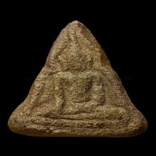 พระหลวงพ่อโบสถ์น้อย รุ่นแรก เนื้อดิน สร้างปีพ.ศ.2488