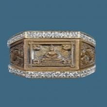 เสื้อทองฝังเพชร แหวนพระพุทธ หลวงปู่ดู่ ปี2524 โลหะผสม