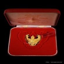 ครุฑ อ.วราห์ รุ่นมหาเศรษฐี เนื้อทองคำ พิมพ์ใหญ่