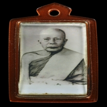 ภาพถ่ายหลวงพ่อแดง วัดเขาบันไดอิฐ จ.เพชรบุรี