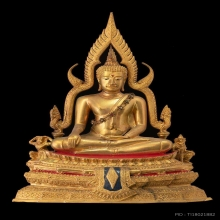 พระพุทธชินราชจำลอง รุ่นอกเลาบนผ้าทิพย์ด้านหลังพานพระศรี