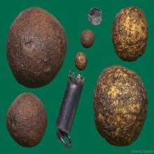 เม็ดผงยาจินดามณี & เม็ดผงเนื้อว่านปิดทองเก่า หลวงปู่บุญ