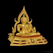 พระพุทธชินราชจำลองฐานเรียบฉลุ ๒ ชั้น วัดใหญ่ปิดทองหน้าตัก ๙