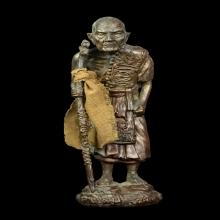 พระบูชาหลวงปู่หมุนถือไม้เท้ากายสิทธิ์ ใต้ฐานฝังลูกสะกดตะกรุด