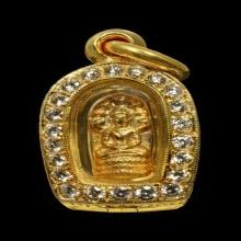 พระปรกใบมะขาม หลวงปู่แหวน รุ่นแรก ทองคำ