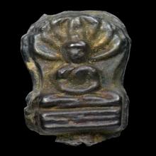 พระปรกใบมะขามหลวงปู่ใจ วัดเสด็จ พิมพ์เล็ก ปี ๒๔๗๐