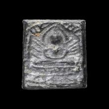หลวงปู่ศุข วัดปากคลองมะขามเฒ่า พิมพ์ประภามณฑลข้างรัศมี